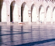 Midday in the courtyard of the great Umayyad Mosque