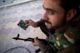 (di Emilio Fabio Torsello, Diritto di critica). Olivier Voisin è un fotografo di guerra: a 22 anni seguiva l'armata israeliana in Libano, l'anno scorso è stato ad Haiti, in Libia, […]