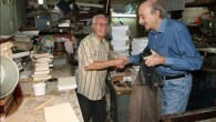 (as-Safir, November 16, 2010) صوت الإذاعة المحلية يعلو من المذياع العتيق. يعود إلى أكثر من خمسين عاماً. صاحبه المتمسك بأشيائه القديمة يرفض فكرة التخلي عنه. ما دامت الأشياء تؤدي عملها […]