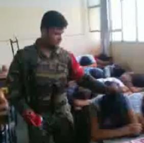 Sui banchi di scuola a Latakia