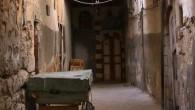 22 settembre 2011, sera.Ho appena posato sul letto la stoffa decorata comprata lunedì, vicino alla moschea sciita di Sayda Ruqayya.Tale è rimasta. Stoffa, un telo lungo quattro metri e mezzo […]