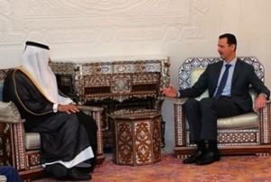 Bashar al-Asad accoglie il premier del Qatar, capo della delegazione araba