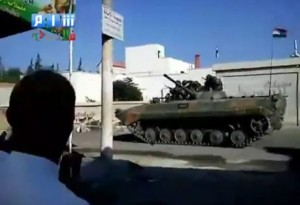 Carroarmato lealista a Enkhel (Daraa), fine agosto 2011