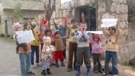La telenovela della missione di osservatori arabi in Siria, una nuova intervista del presidente al Assad che ribadisce il suo cielodurismo, le voci su un attacco alla sede del Baath […]