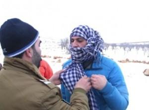 """In attesa che si palesino i barbuti di al Qaida, ci si maschera da """"terroristi"""" sull'altipiano"""