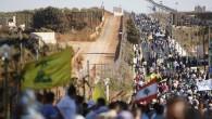 Un nuovo muro è in costruzione. Un nuovo muro israeliano. Per un tratto di due chilometri si innalzerà fino a dieci metri lungo il confine provvisorio tra Israele e Libano. […]