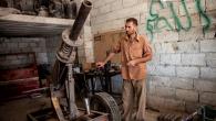 Il New York Times pubblica una galleria di foto scattate ad agosto 2012 nella regione a nord di Aleppo, durante un reportage su un gruppo di membri dell'Esercito libero siriano […]
