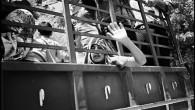 (di Lorenzo Trombetta, per Europa). In fila, Mercedes sovraccariche di donne, bambini, materassi, buste e valigie tentavano una a una di passare l'instabile ponte sul fiume Awwali, uno dei pochi […]