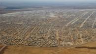 Ha fatto il giro del mondo questa foto aerea del campo Zaatari in Giordania, scattata dal fotografo Mandel Ngan (AFP/Getty Images). Aperto nel luglio 2012, nel giro di un anno […]