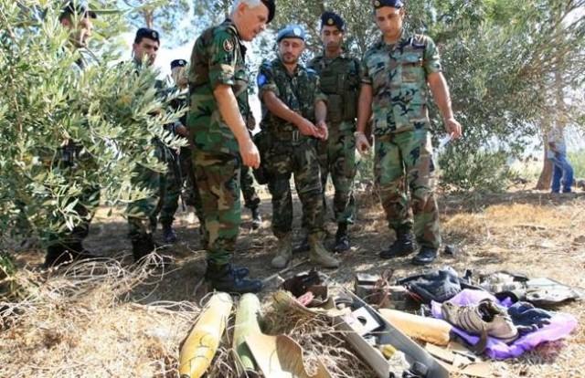 Militari libanesi e dell'Unifil ispezionano il luogo del lancio dei razzi, The Daily Star