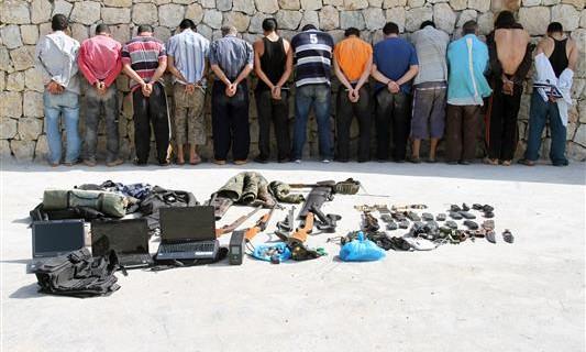 (di Lorenzo Trombetta).È alta tensione in Libano dopo i violenti raid condotti giovedì all'alba dall'esercito libanese contro campi profughi siriani ad Arsal, a ridosso della frontiera tra i due Paesi. […]
