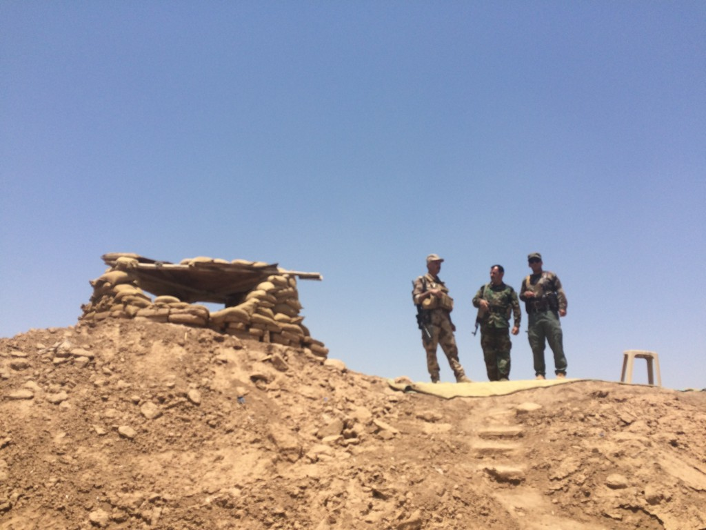 Al confine tra Kurdistan e Stato Islamico, Qaraj, Iraq (Lorenzo Trombetta, 2015)