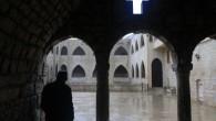 """(di Lorenzo Trombetta). L'organizzazione dello Stato islamico avanza nella Siria centrale, ma numerosi capifamiglia cristiani della zona hanno scelto di rimanere sotto il controllo dell'Isis """"per non perdere le case"""" […]"""