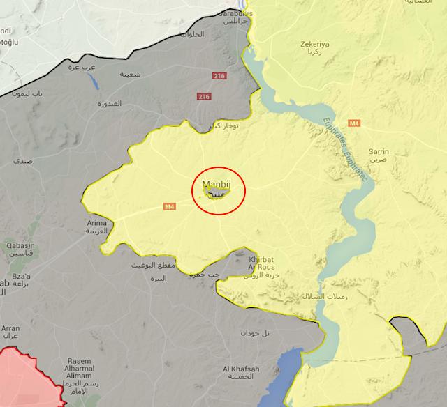 L'assedio di Manbij (nel cerchio rosso) al 24 luglio 2015. In giallo le forze curdo-arabe filo-Usa; in grigio lo Stato islamico, in rosso le forze governative siriane (Schermata dal sito syria.liveuamap.com)